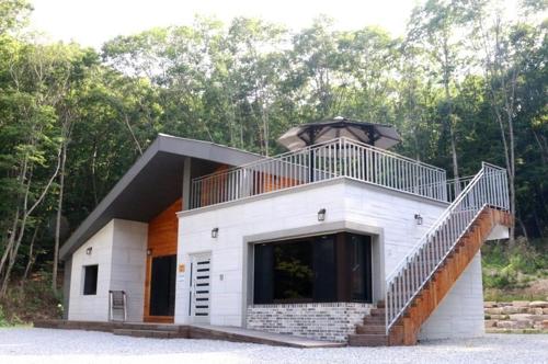 올여름 최고 인기 휴양림 숙박시설은 대야산 숲속의 집