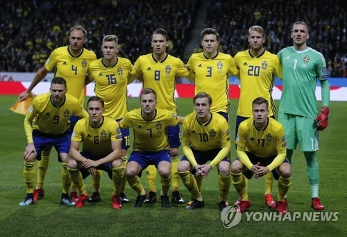 This photo taken by the Associated Press on Nov. 10, 2017, shows the Swedish men's national football team. (Yonhap)