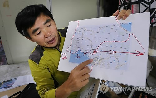 This photo, taken on Oct. 30, 2014, shows Lee Min-bok, a North Korean defector who is leading activists' campaign to fly balloons carrying anti-North Korea leaflets to North Korea. (Yonhap)