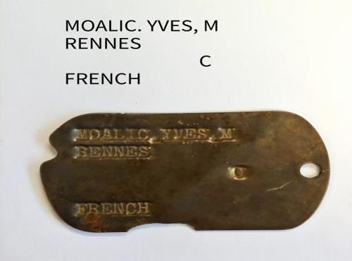 (LEAD) Fallen French soldier's ID tag returned after 67 yrs - 2