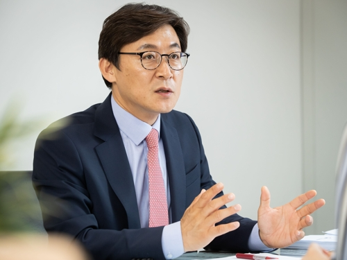 (Policy Interview) S. Korea striving to become global testbed for fintech firms