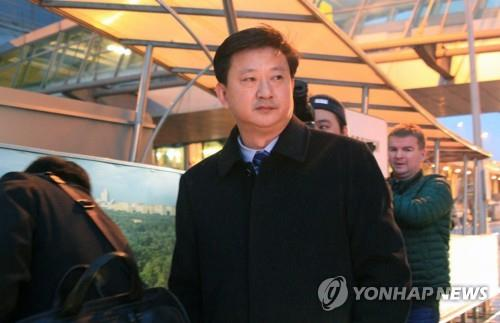 (LEAD) N.K. official calls on U.S. to meet year-end deadline before 'window closes'