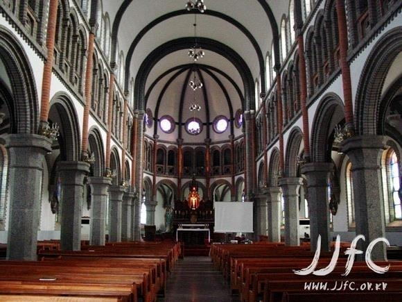 This file photo shows the interior of Jeondong Catholic Cathedral in Jeonju. (Yonhap)