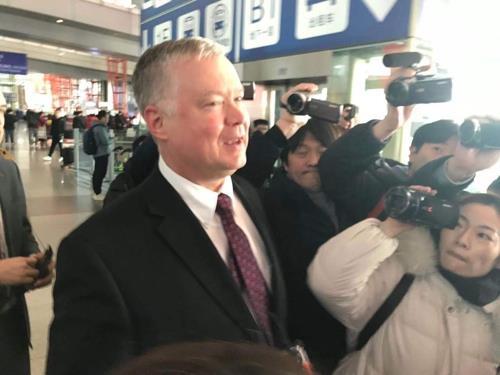 (LEAD) Top U.S. nuclear envoy arrives in Beijing amid stalled N.K. nuke talks