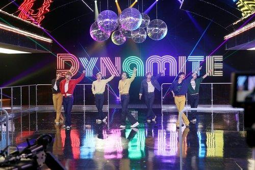 "This photo, provided by Big Hit Entertainment on Oct. 3, 2020, shows K-pop group BTS singing ""Dynamite,"" its latest Billboard Hot 100 No. 1 hit, for the ""BTS Week"" special on NBC's ""The Tonight Show Starring Jimmy Fallon"" in the United States. (PHOTO NOT FOR SALE) (Yonhap)"