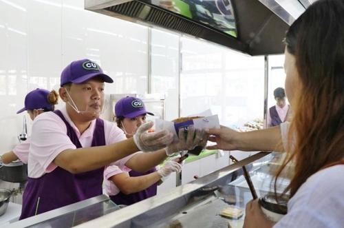 몽골 CU 매장 즉석식품 조리 코너
