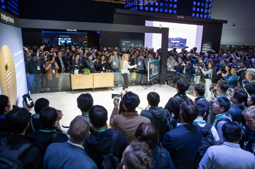 CES 2020 삼성 부스에 볼리를 보기 위해 몰려든 관람객