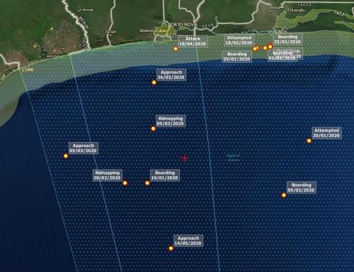 코토누 항구 남부 한국인 피랍 추정 지점(+ 표시)