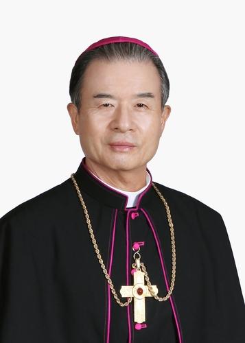 한국천주교주교회의 새 의장에 이용훈 수원교구장