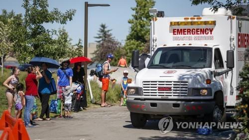 임시 쉼터 공간으로 배치된 캐나다 구세군 응급차량