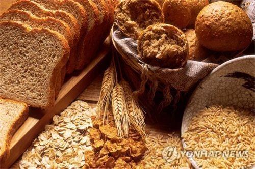 통곡물 빵
