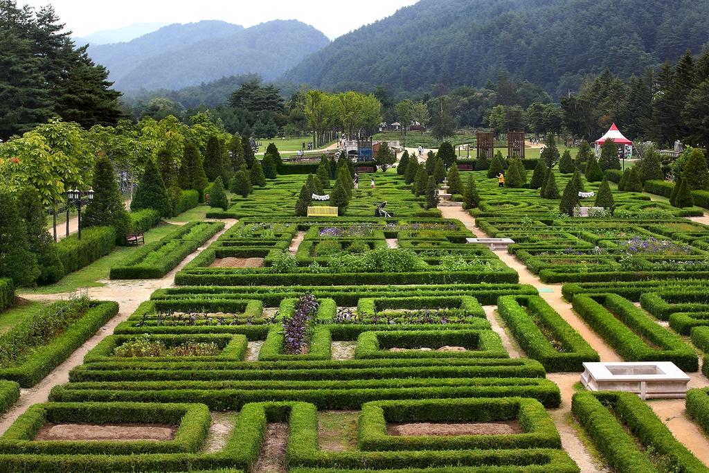 프랑스 중서부 지방 빌랑드리성의 르네상스식 정원을 본떠 만든 켄싱턴 가든 [사진/전수영 기자]