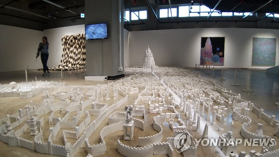 A craft artwork is displayed at the Cheongju Craft Biennale in the central city of Cheongju on Oct. 7, 2019, in this photo provided by the organizing committee. (PHOTO NOT FOR SALE) (Yonhap)