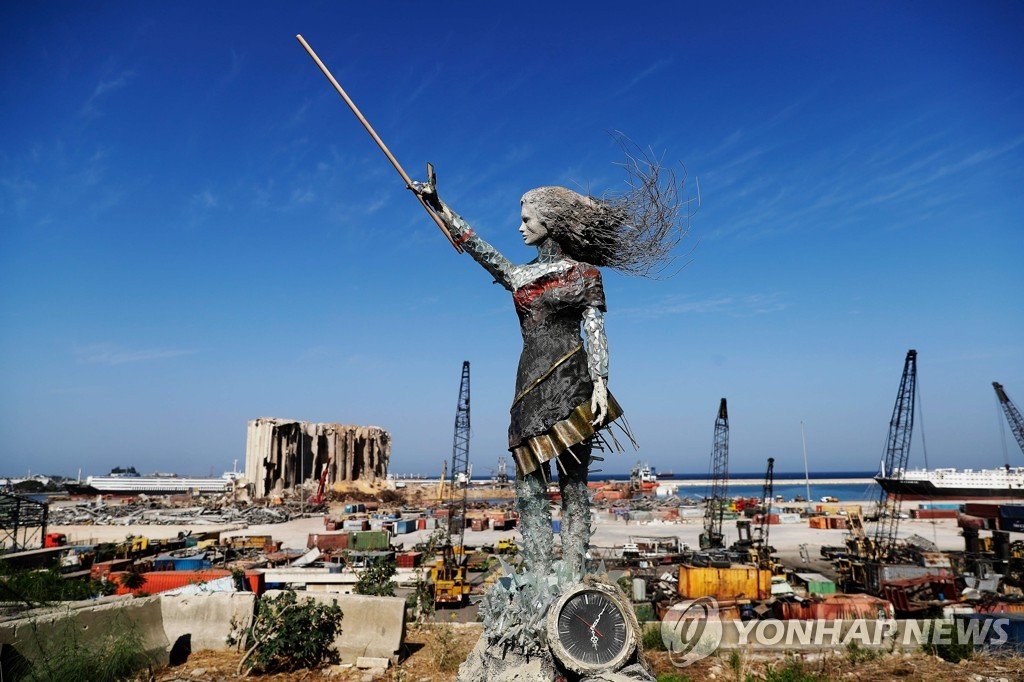 LEBANON-PORT-STATUE-PROTESTS