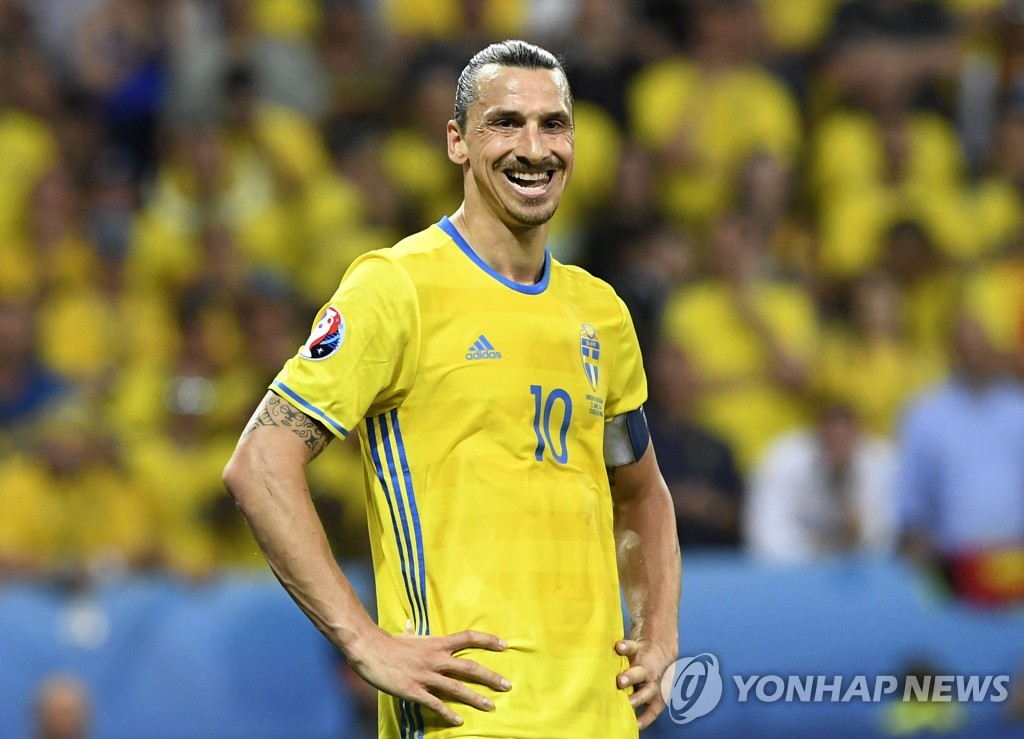 """즐라탄, 은퇴 선언 5 년 만에 스웨덴 대표팀 복귀 … """"신의 귀환"""""""