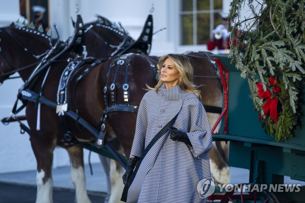 USA MELANIA CHRISTMAS TREE