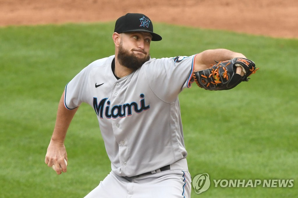 In this Getty Images file photo from Aug. 22, 2020, Josh A. Smith of the Miami Marlins pitches against the Washington Nationals in the bottom of the second inning of a Major League Baseball regular season game at Nationals Park in Washington. (Yonhap)