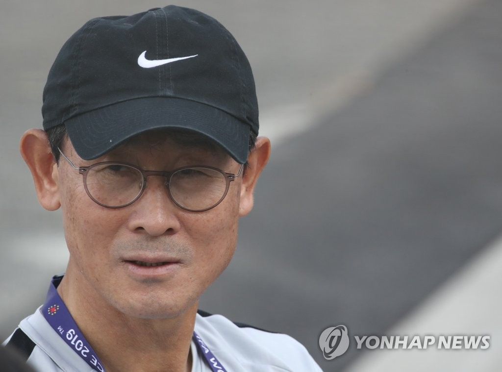 Yoon Duk-yeo, head coach of the South Korean women's national football team, speaks to reporters after practice at Stade Louis Boury in Gennevilliers, France, on June 3, 2019, in preparation for the FIFA Women's World Cup. (Yonhap)
