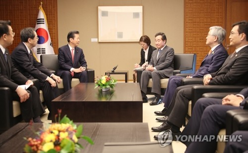PM meets Japanese politicians