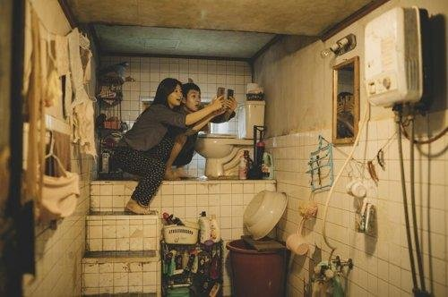 (News Focus) 'Parasite' shines light on semi-basement apartments in S. Korea