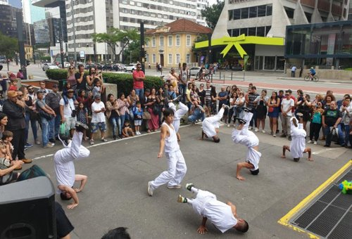 B-boy performance in San Paulo