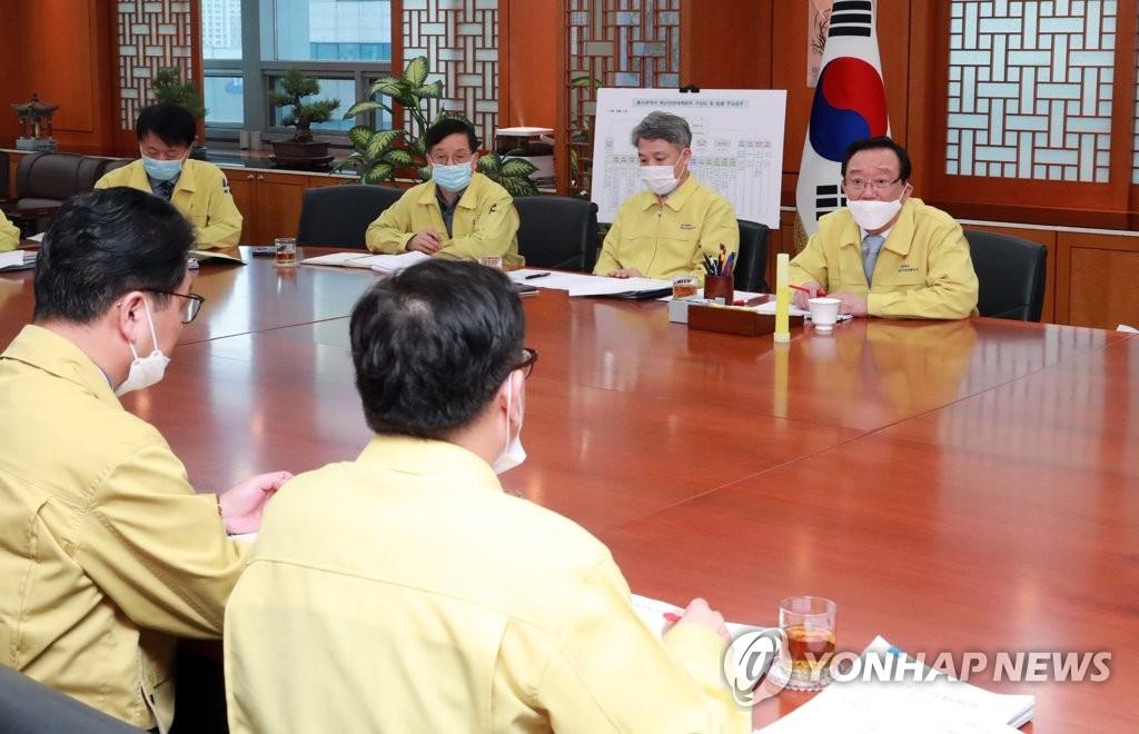 코로나19 막자…울산농수산물시장 수산소매동 휴업 | 연합뉴스