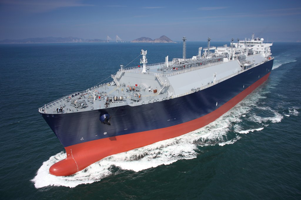 This file photo, provided by Samsung Heavy Industries Co., shows a liquefied natural gas (LNG) carrier built by the shipbuilder. (PHOTO NOT FOR SALE) (Yonhap)